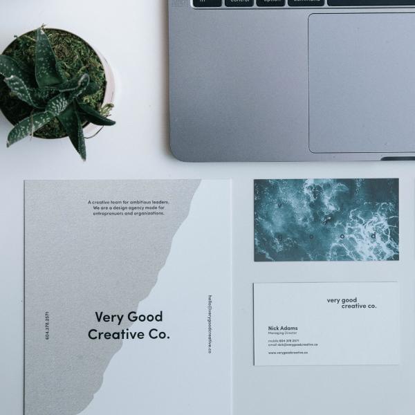 Material corporativo - Diseño gráfico